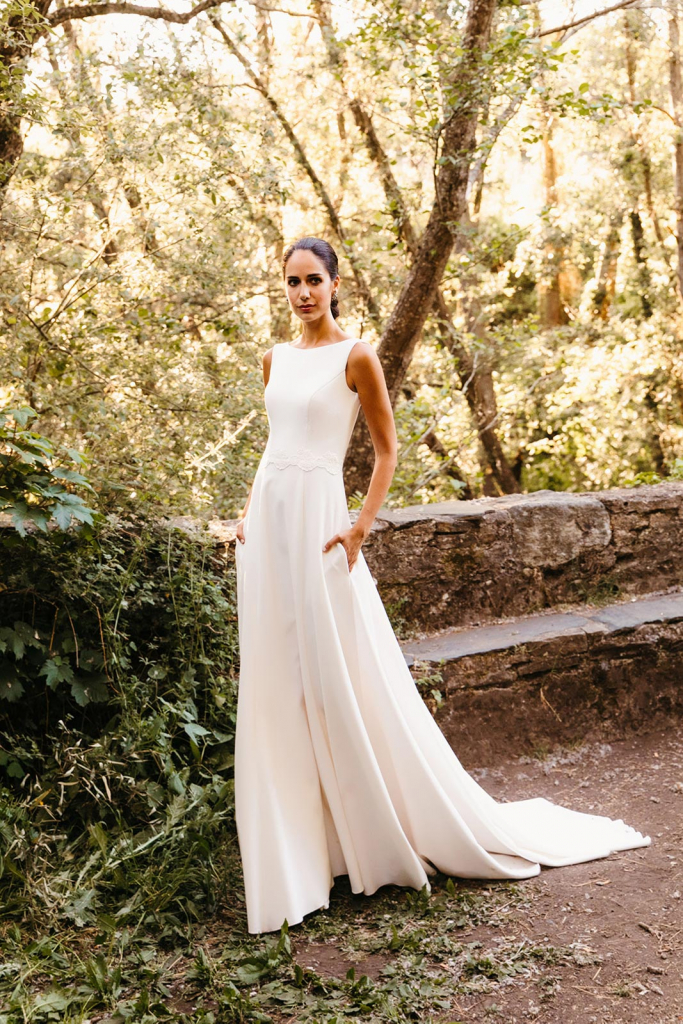 Vestidos de novia 2022 Silvia Fernandez Destello 11